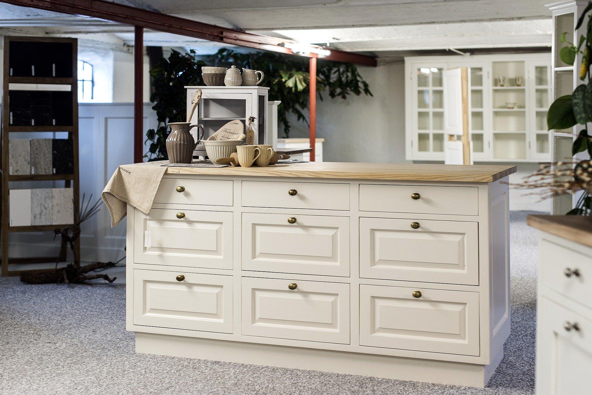 Comment donner un nouvel éclat aux armoires de cuisine ?